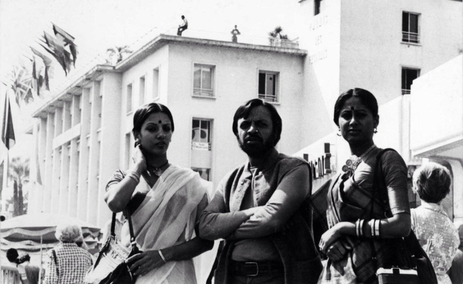 Shabana Azmi Tweeted A photo From Her 1976 Cannes Appearance : The Simplicity Is Striking